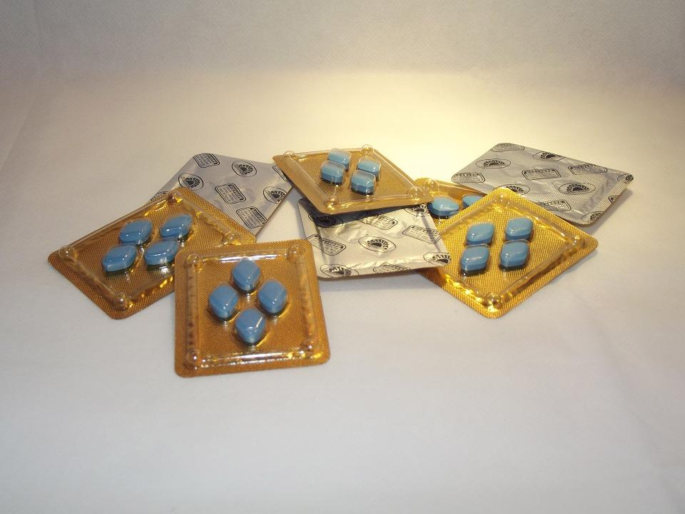 Tabletky Viagry s účinnou látkou sildenafil kúpite v každej lekárni. Sú dostupné iba na lekársky predpis!