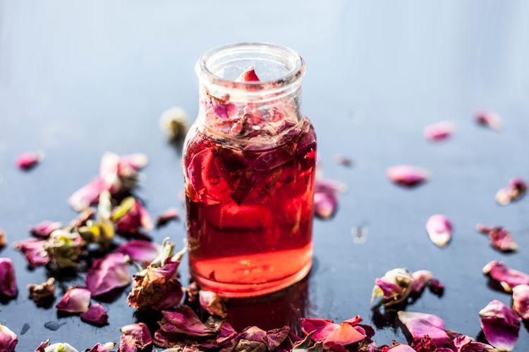 Ružová voda z ruže damascénskej
