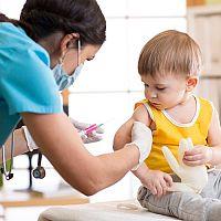 Očkovací kalendár 2020: Povinné očkovanie detí (v 3. mesiaci, v 5 rokoch) a dospelých