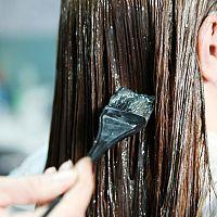 Farbenie vlasov v tehotenstve a počas dojčenia