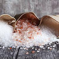 Je soľ zdravá? Morská, himalájska, lávová, údená soľ – účinky na zdravie