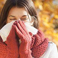 Alergia na chlad aj u detí. Prejavy sú nádcha, kašeľ. Krém na ruky pomáha