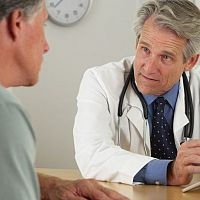 Problémy s erekciou vyrieši lekár. Diskusie môžu pomôcť aj uškodiť