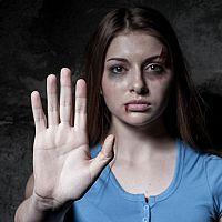 Domáce násilie a jeho druhy. Čo robiť a kde ho nahlásiť?