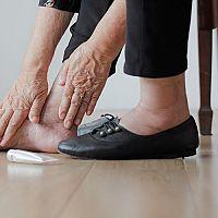 Opuchnuté nohy a členky - príčiny a liečba