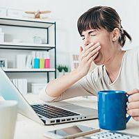 Čo proti únave a vyčerpanosti? Lieky, čaj alebo vitamíny