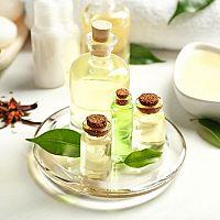 Čajovníkový olej - použitie, účinky a cena. Výborný na akné i mykózy!