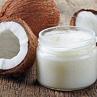 Kokosový olej je najlepší na obočie, vlasy aj chudnutie