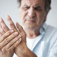 Reuma – príznaky, diagnostika a liečba. Reumatická horúčka prstov na rukách