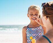 Najlepšie opaľovacie krémy pre deti a bábätká sú minerálne