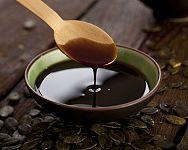 Tekvicový olej – dávkovanie, zloženie, účinky na pleť, vlasy, štítnu žlazu