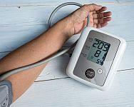 Ako znížiť vysoký krvný tlak? Pomôžu lieky aj prírodná liečba