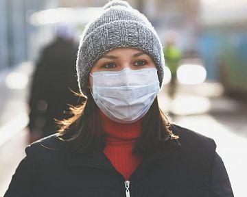 Jednorazové ochranné sterilné rúška na tvár bez filtra. Aká je ich účinnosť?