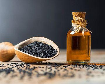 Prírodný olej z čiernej rasce – účinky, cena, užívanie. Vhodný je na pleť i na vlasy