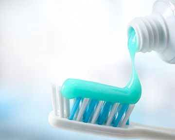 Ako si vybrať najlepšiu zubnú pastu – čo by nemala obsahovať? Test zubných pást