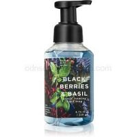Bath & Body Works Black Berries & Basil penové mydlo na ruky  259 ml