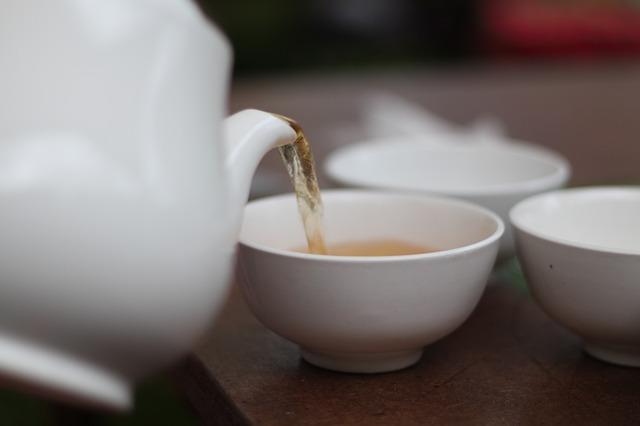 Biely čaj na pleť