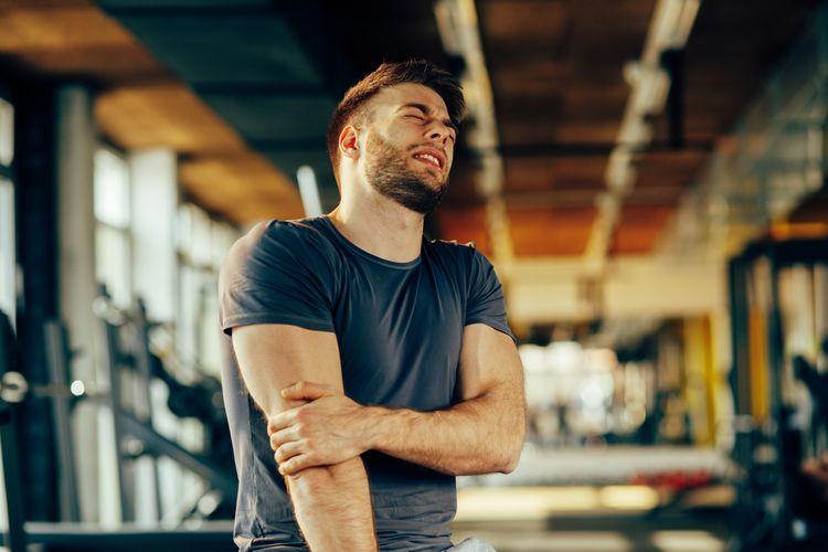 Bolesť kĺbov a svalov u mladého človeka