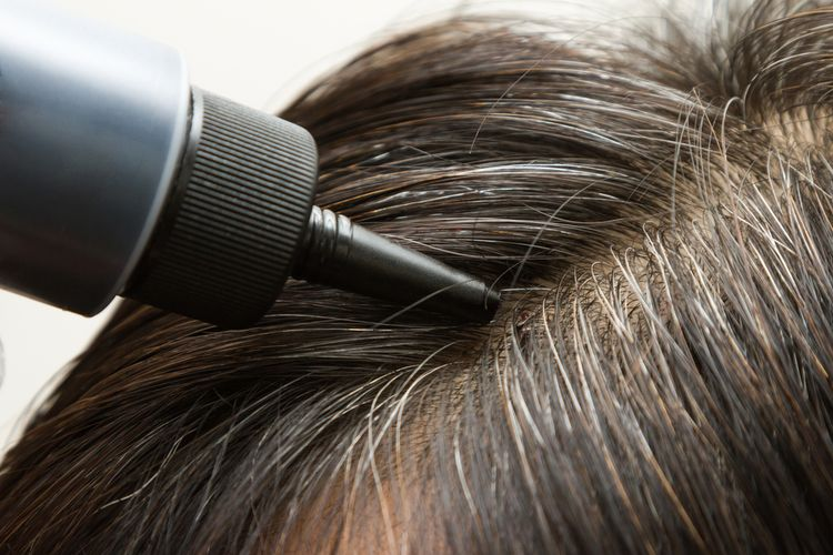 Farbenie šedivých vlasov