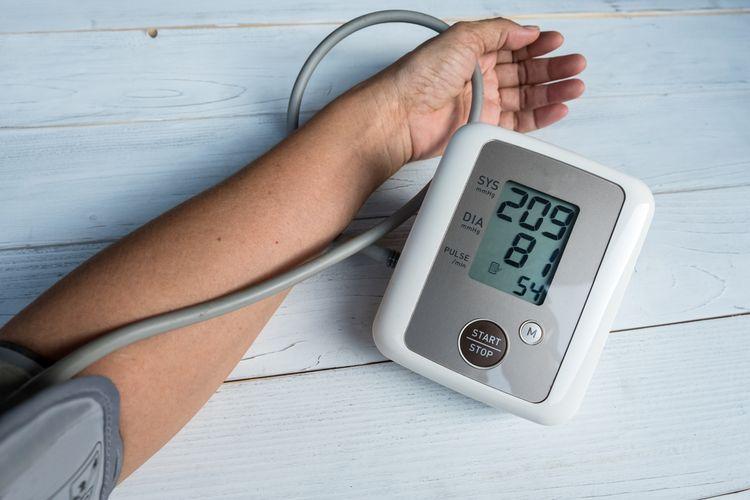 Meranie krvného tlaku tlakomerom