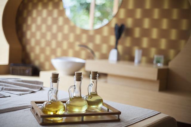 Makový olej na vlasy i na pleť