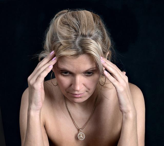 Žena v menopauze a jej príznaky
